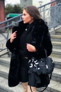 Czarny płaszcz Produkt Importowany