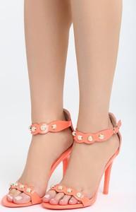 Pomarańczowe sandały Multu na szpilce w stylu casual z klamrami