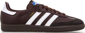 Brązowe buty sportowe Adidas w sportowym stylu