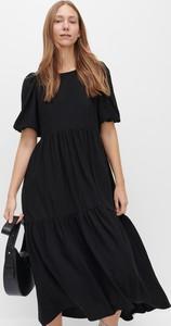 Sukienka Reserved maxi z okrągłym dekoltem
