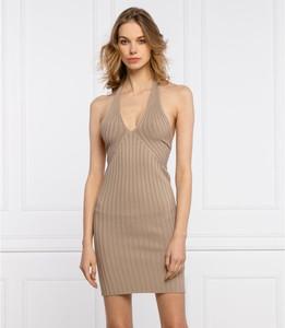 Sukienka Guess dopasowana z dekoltem w kształcie litery v mini
