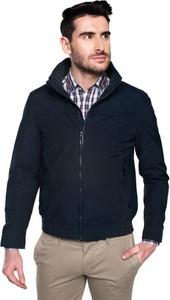 Czarna kurtka recman bez wzorów