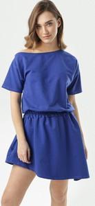 Niebieska sukienka born2be mini