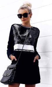 Czarna sukienka Ivet.pl z długim rękawem midi