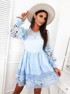 Sukienka Infinityfashion.pl z długim rękawem mini z okrągłym dekoltem