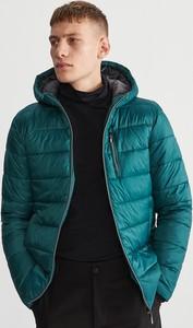 Turkusowa kurtka Reserved w młodzieżowym stylu