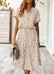 Sukienka Sandbella w stylu casual midi z dekoltem w kształcie litery v