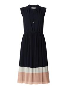Granatowa sukienka Jake*s Collection rozkloszowana