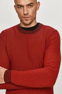 Czerwony sweter Hugo Boss z bawełny