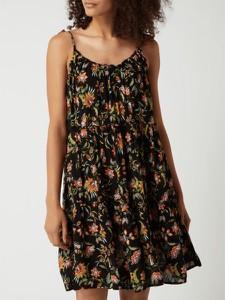 Sukienka Jake*s z dekoltem w kształcie litery v