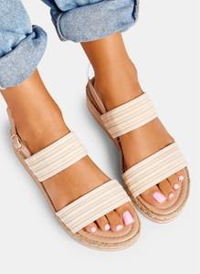 Sandały DeeZee z klamrami w wakacyjnym stylu
