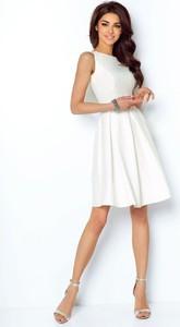 Sukienka Ivon z okrągłym dekoltem