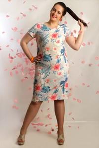 Sukienka Oscar Fashion ołówkowa z okrągłym dekoltem midi