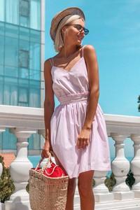 Sukienka Ivet.pl rozkloszowana z dekoltem w kształcie litery v mini