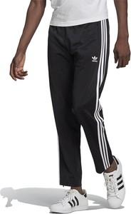 Spodnie sportowe Adidas z dresówki w sportowym stylu