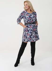 Sukienka born2be dla puszystych z długim rękawem z dekoltem w kształcie litery v