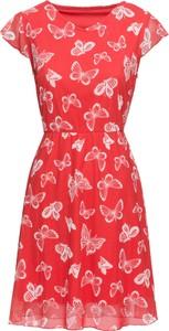 Różowa sukienka bonprix BODYFLIRT z okrągłym dekoltem w stylu casual