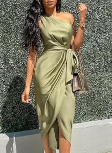 Sukienka Cikelly z satyny midi