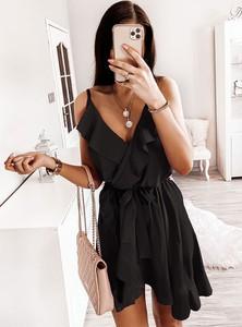 Sukienka Pakuten z dekoltem w kształcie litery v