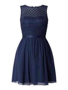 Granatowa sukienka Laona rozkloszowana mini z satyny