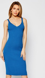 Niebieska sukienka Guess w stylu casual na ramiączkach z dekoltem w kształcie litery v