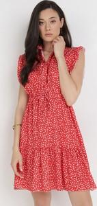 Czerwona sukienka born2be mini z krótkim rękawem z dekoltem w kształcie litery v