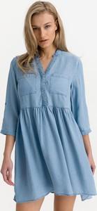 Niebieska sukienka Vero Moda mini koszulowa z kołnierzykiem