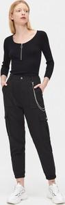 Czarny sweter Cropp w stylu casual