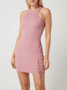 Różowa sukienka Guess mini z okrągłym dekoltem