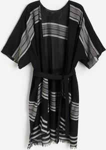 Reserved - Narzutka w kształcie kimona - Czarny
