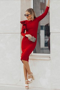Sukienka Ivet.pl z długim rękawem z okrągłym dekoltem