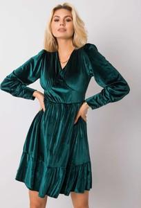 Zielona sukienka Sheandher.pl z długim rękawem z dekoltem w kształcie litery v w stylu casual