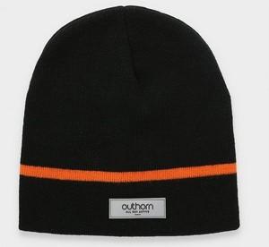 Czarna czapka Outhorn