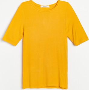 T-shirt Reserved z okrągłym dekoltem z dzianiny