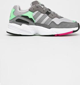 Szare buty damskie Adidas Originals, kolekcja wiosna 2020
