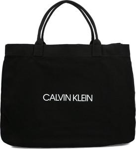 b94d514daafb0 Czarna torebka Calvin Klein na ramię