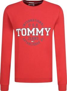 Bluza Tommy Jeans w młodzieżowym stylu