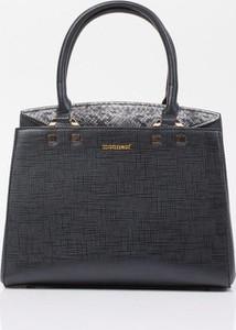 Czarna torebka Monnari średnia do ręki