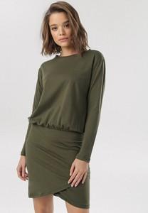 Zielona sukienka born2be z długim rękawem prosta mini
