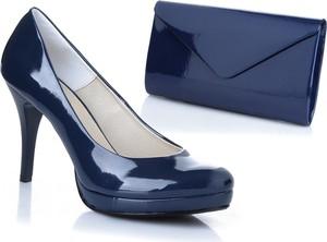 Granatowe szpilki calzado