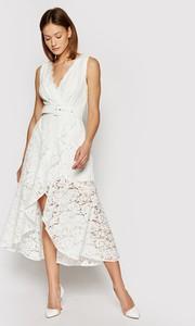 Sukienka Guess z dekoltem w kształcie litery v na ramiączkach