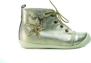 Srebrne buty dziecięce zimowe Kornecki