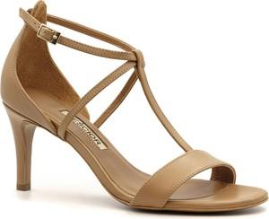 Sandały Neścior w stylu klasycznym ze skóry na średnim obcasie