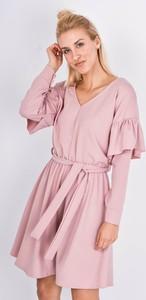 Różowa sukienka Zoio w stylu casual z długim rękawem