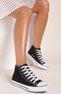 Czarne trampki Renee w młodzieżowym stylu z płaską podeszwą sznurowane