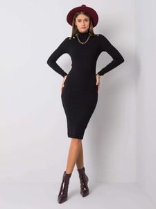 Czarna sukienka Sheandher.pl w stylu casual z golfem midi