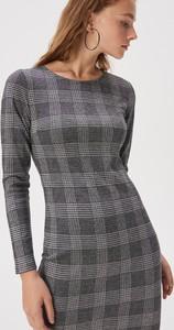 Sukienka Sinsay w stylu casual dopasowana z długim rękawem