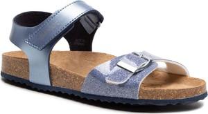 Niebieskie sandały Geox z płaską podeszwą