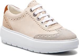 Sneakersy Geox na koturnie z zamszu