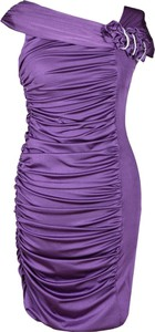 Fioletowa sukienka Fokus z dekoltem w kształcie litery v z dzianiny asymetryczna